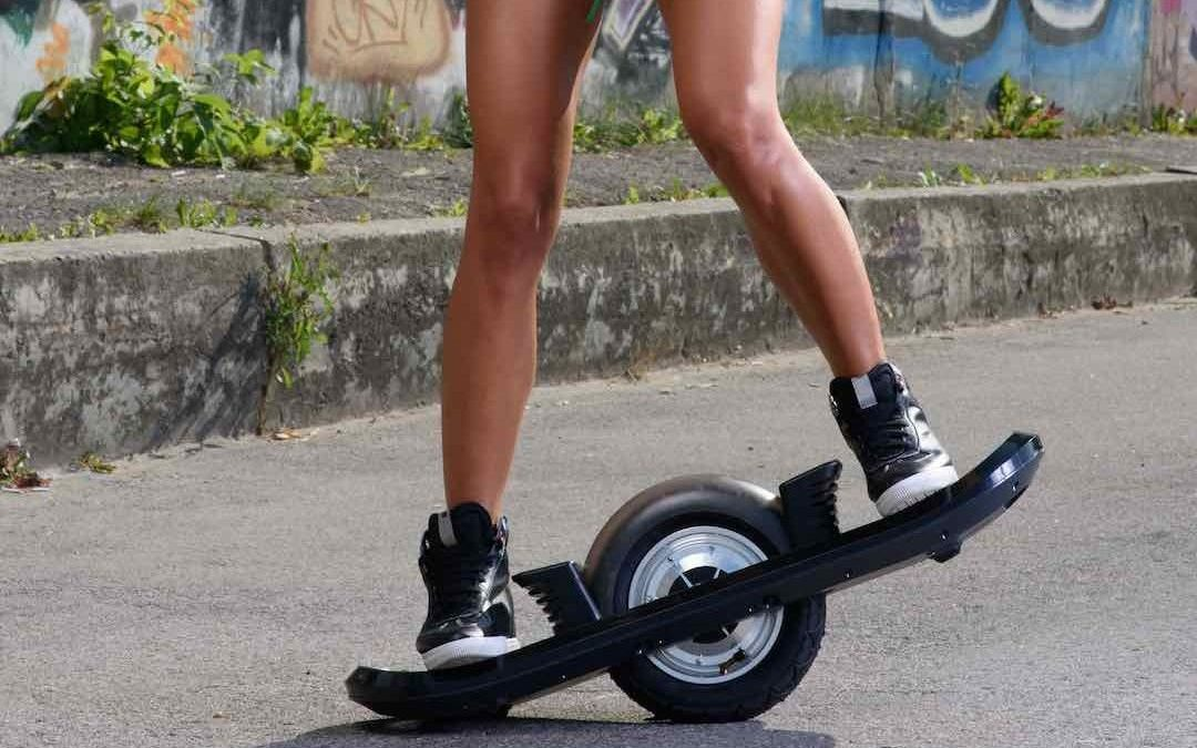 One-Wheel Hoverboard Provides an Exciting Challenge
