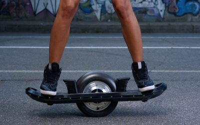 Your Guide to the Self-Balancing, One-Wheeled Electric Skateboard