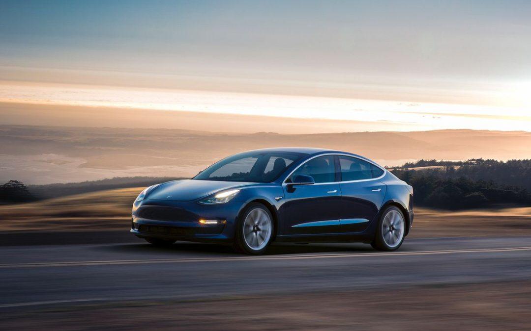 What You Should Know About the Tesla Autopilot